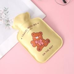 秋冬款双层涤纶布+海绵注水暖手袋  500/箱 黄色小熊 见详情